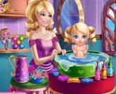 Игра Барби стала мамой